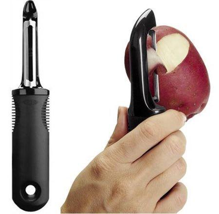 OXO의 주방용품 감자칼